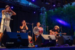 Foto de Roza Zah Concert in 4 Cristi Anca Bobo Ada m